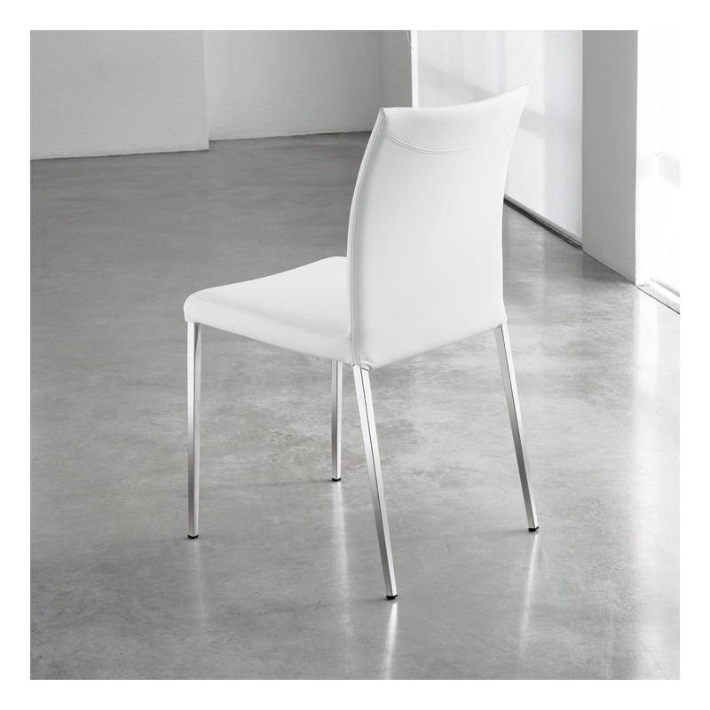 Sedie bianche e nere tavolo moderno rosso con sedie - Sedie bianche ikea ...